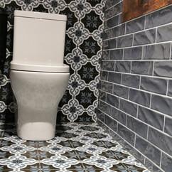 Bathroom Kaiser Bar Riverside Market