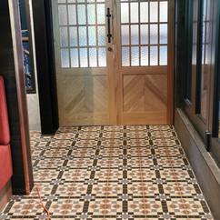 Tiling at Kaiser bar Riverside market