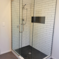 Subway Tiles and Mosaic Tiled Shower_1