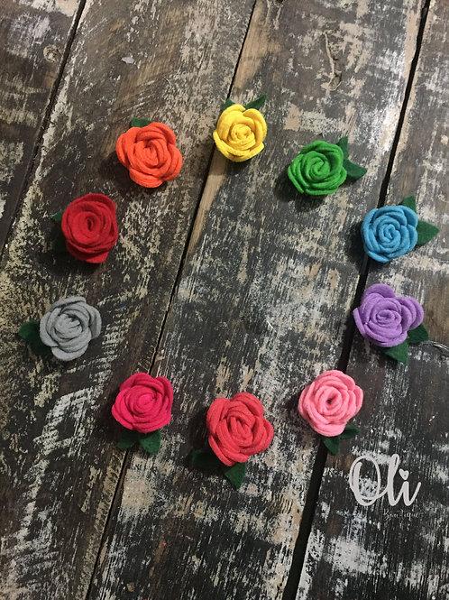 My first little rose • Meu primeiro rosinha