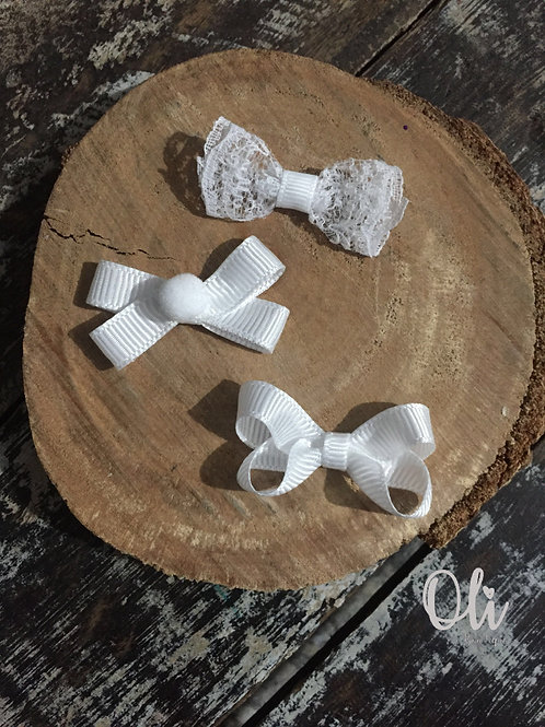 My first teeny tiny white bow set • Meu primeiro kit de laço branco para colar