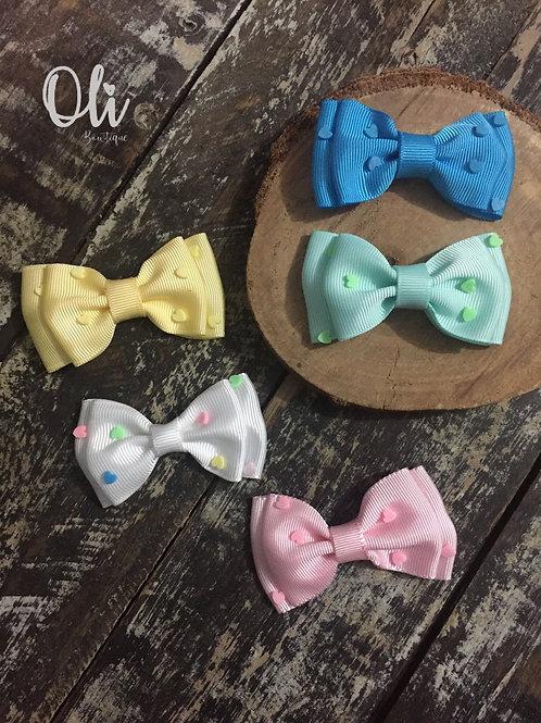Mila bow with mini hearts • Laço Mila com coraçãozinhos