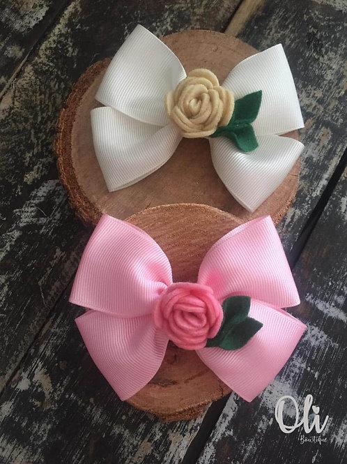 Sophia bow with felt rose • Laço Sophia com rosinha de feltro