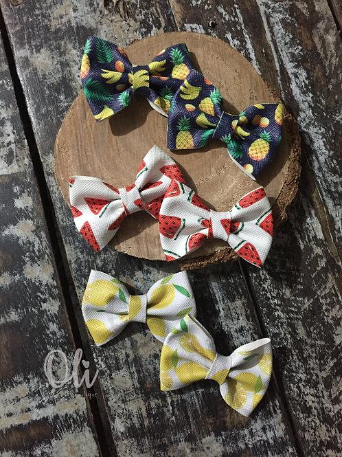 Pigtail fruit-printed Lia bow • Parzinho laço Lia frutas