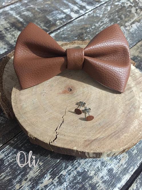 Leatherette Lia bow and stud earrings set • Kit laço e brincos courinho