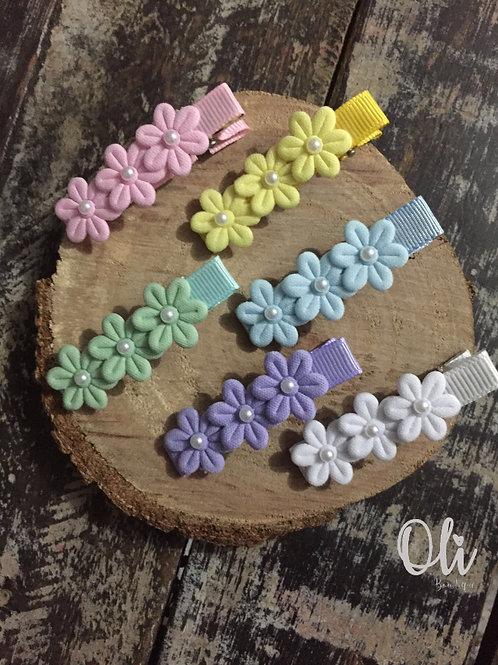 Flower hair clip • Hair clip florzinha