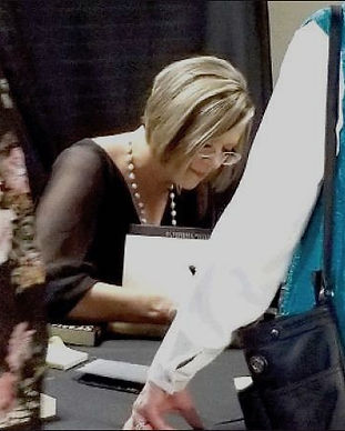 Tina Siemens Book Signing_edited.jpg