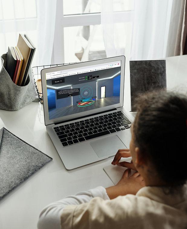 Laptop_Girl_VeativeModule2_edited.jpg