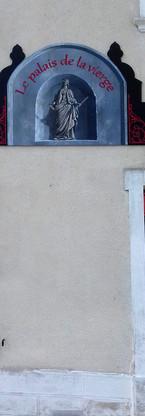 """Acrylique sur bois, enseigne pour le restaurant """"Le palais de la Vierge"""" à La sône (38), 2016"""