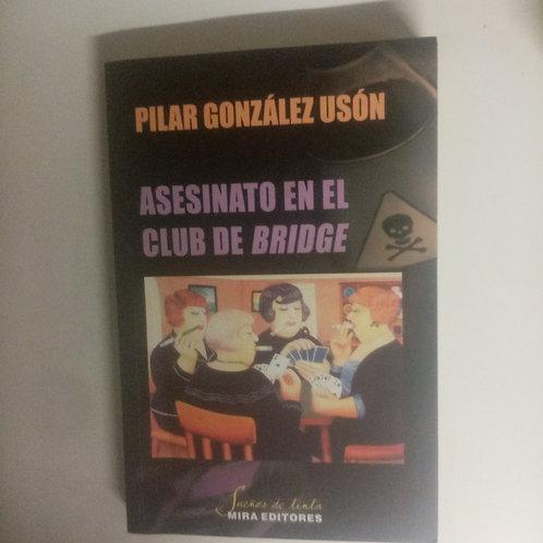Asesinato en el club bridge (Pilar González Usón)