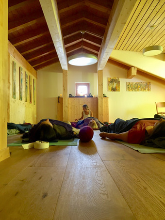 Yoga Class Sertig