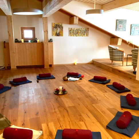 Yoga Room Sertig