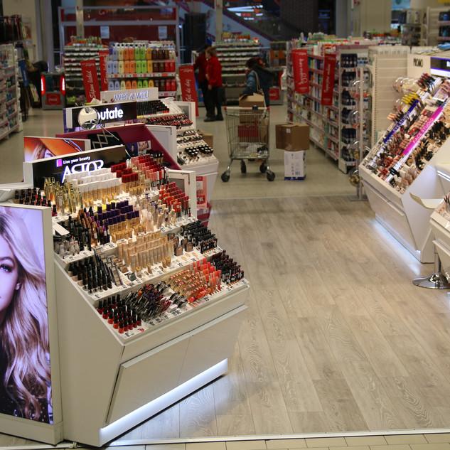 L'Oreal - Insulă machiaj Auchan