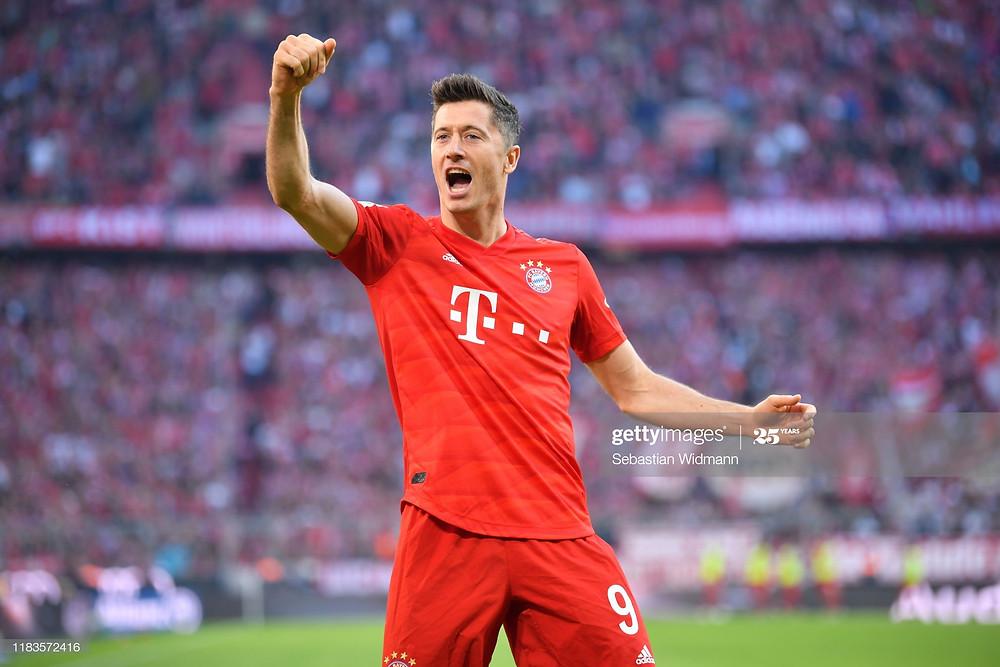 Lewandowski é o artilheiro da Bundesliga com 25 gols.