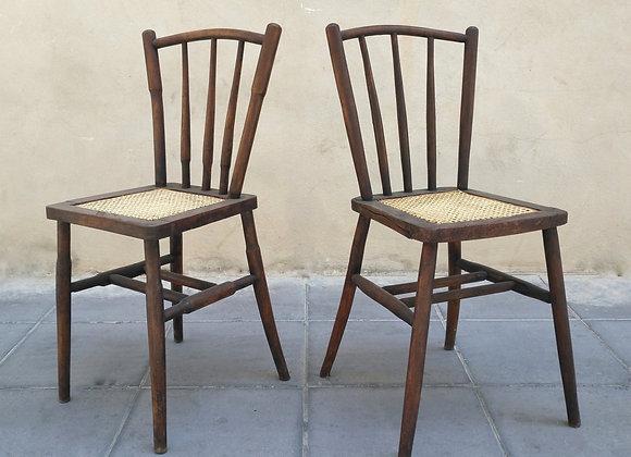 Pareja de sillas antiguas