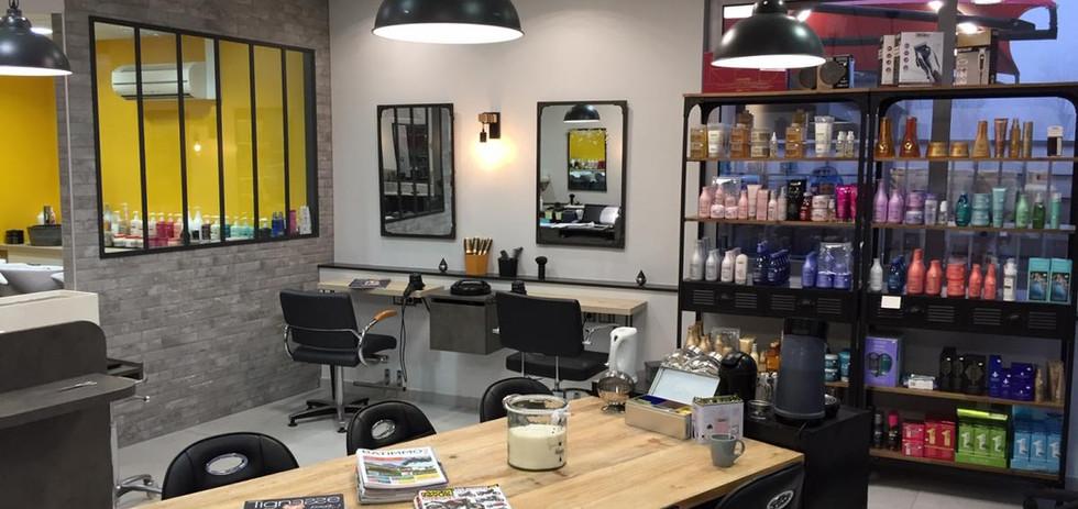 Salon de coiffure style industriel