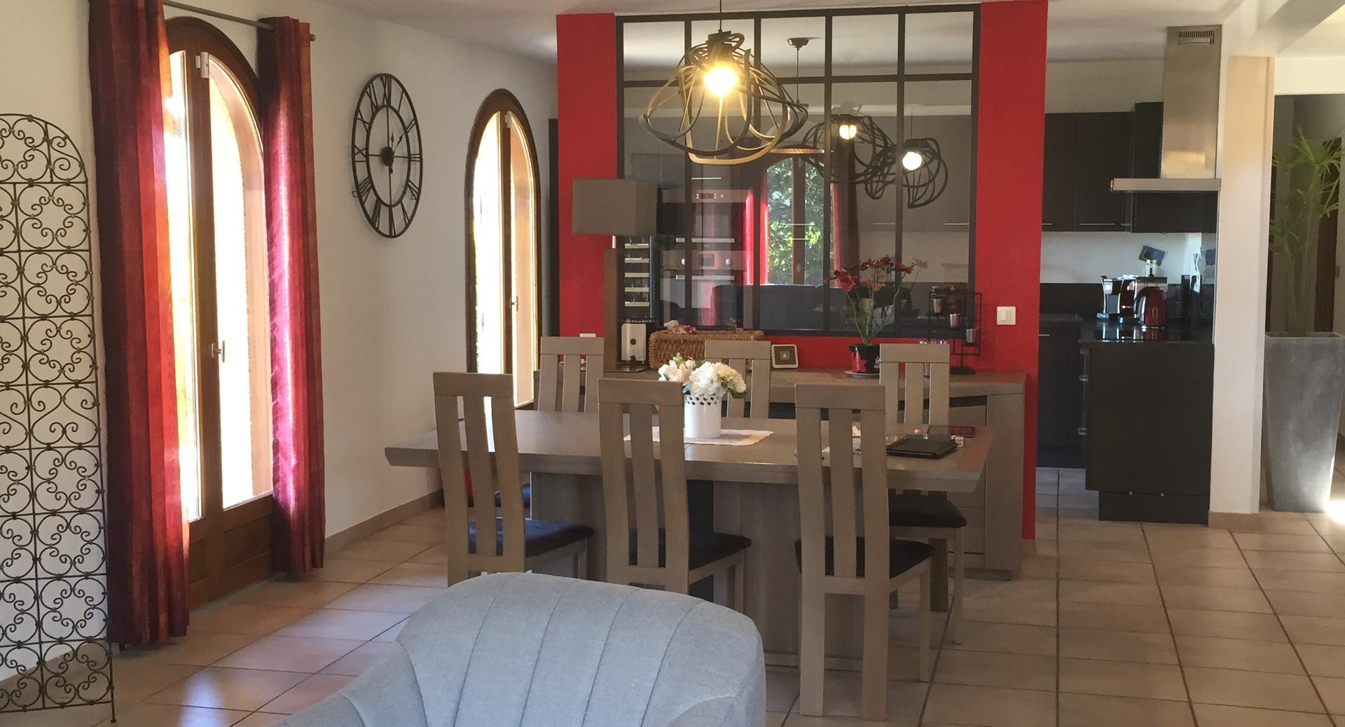 salon séjour cuisine avec verrière