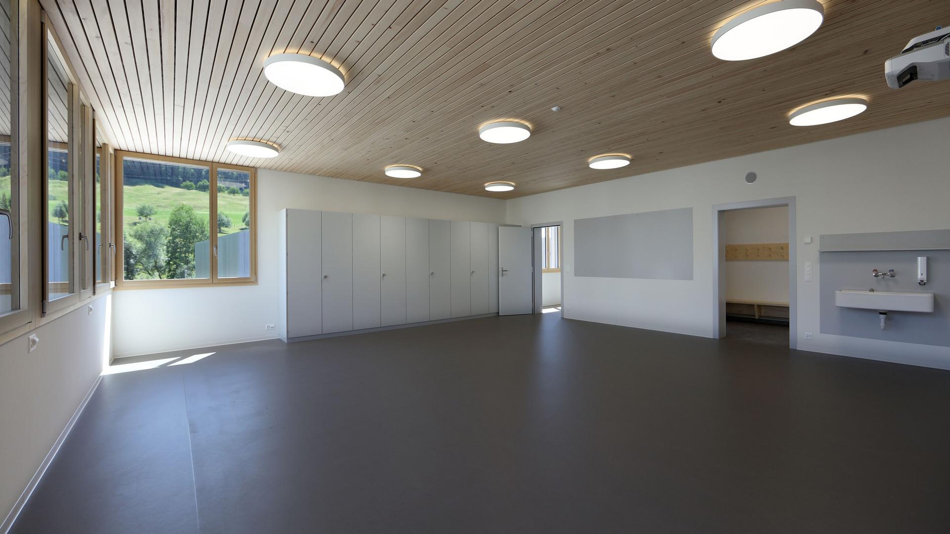 Schulhaus Ormalingen Klassenraum.jpg