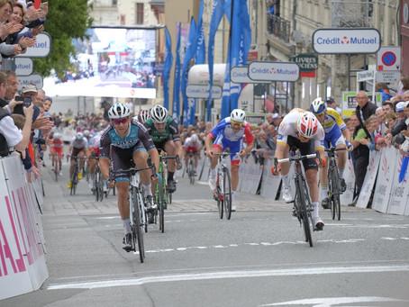 Coquard vainqueur à Laval, Ferasse remporte les Boucles de la Mayenne