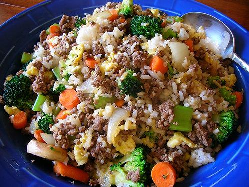 """Healthy Beef Never """"Fried"""" Rice Lunch Bowl"""