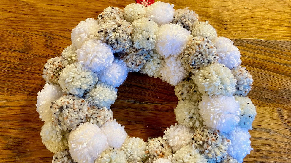 Pompom Wreath - Natural