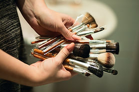 beauty-brushes-different-size-brushes-11