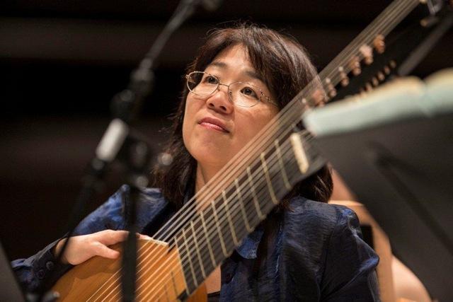 Shizuko Noiri, archlute