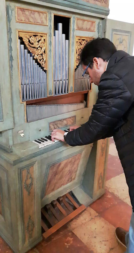 Bringing the harpsichord home on the 1st day of our residency in 2018