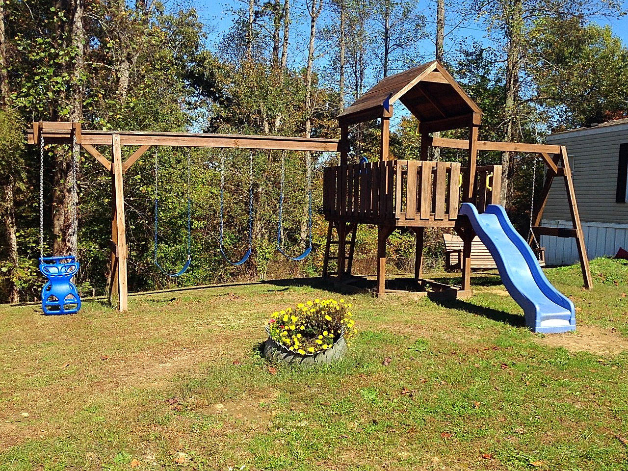 Good Times Play Systems Family Fun 4 Deck Pre Owned