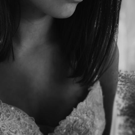 Stella York - Prinzessinnen Brautkleid mit tiefem Rücken und steinbesetzten Spaghettiträgern