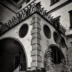 manor Podwein 2