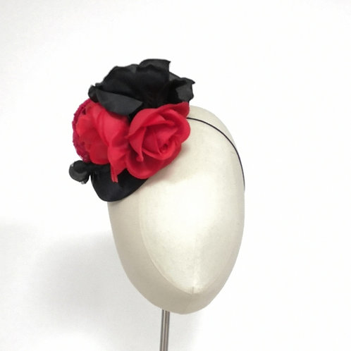 Black Button with red & black rose