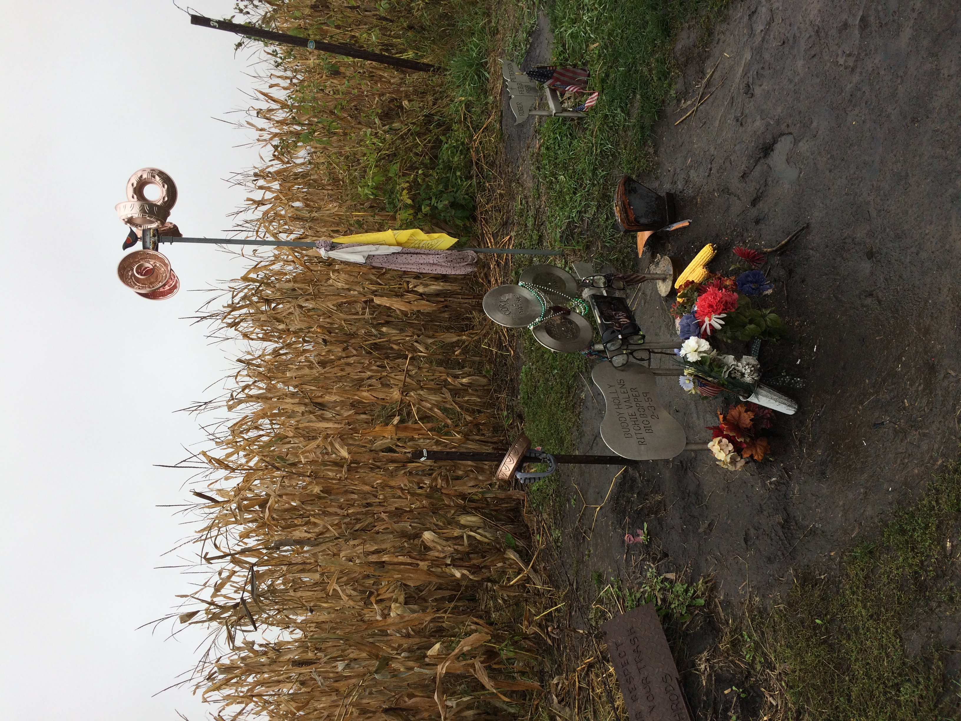 Memorials to singers and pilot