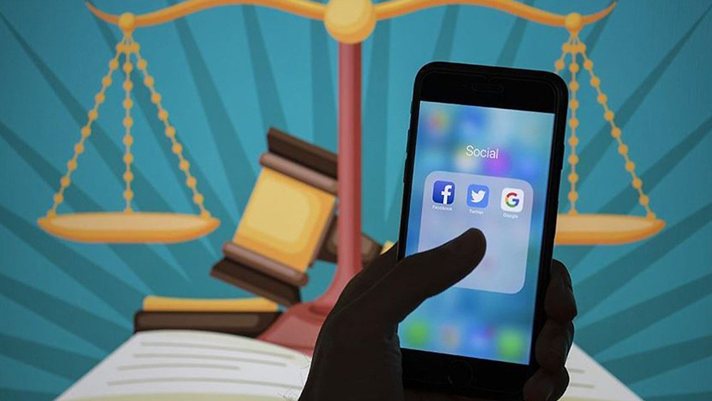 Linkedln i facebook , twitter