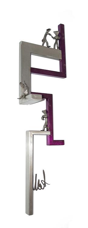 Cupidité | Sculpture haut relief  (38 x 10 pouces) violet