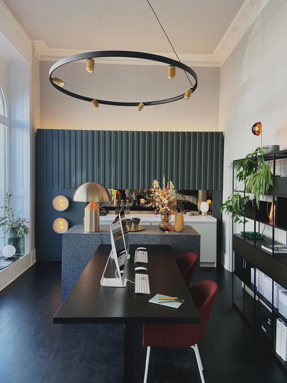 Blick_in_Showroom_Küche.jpg