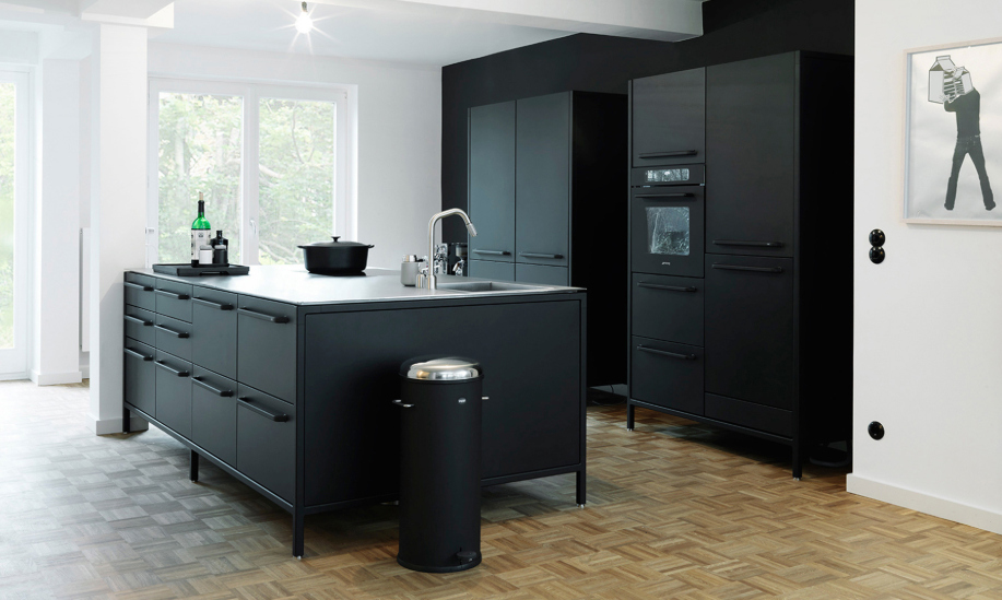 Keuken & Zwart & Compact & Hedendaags