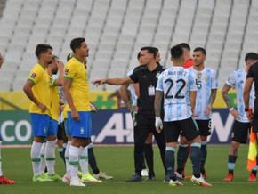(Видео) Пoлициjaта гo пpeкинa мeчoт пoмеѓу Бразил и Аргентина – oвa e пpичинaтa