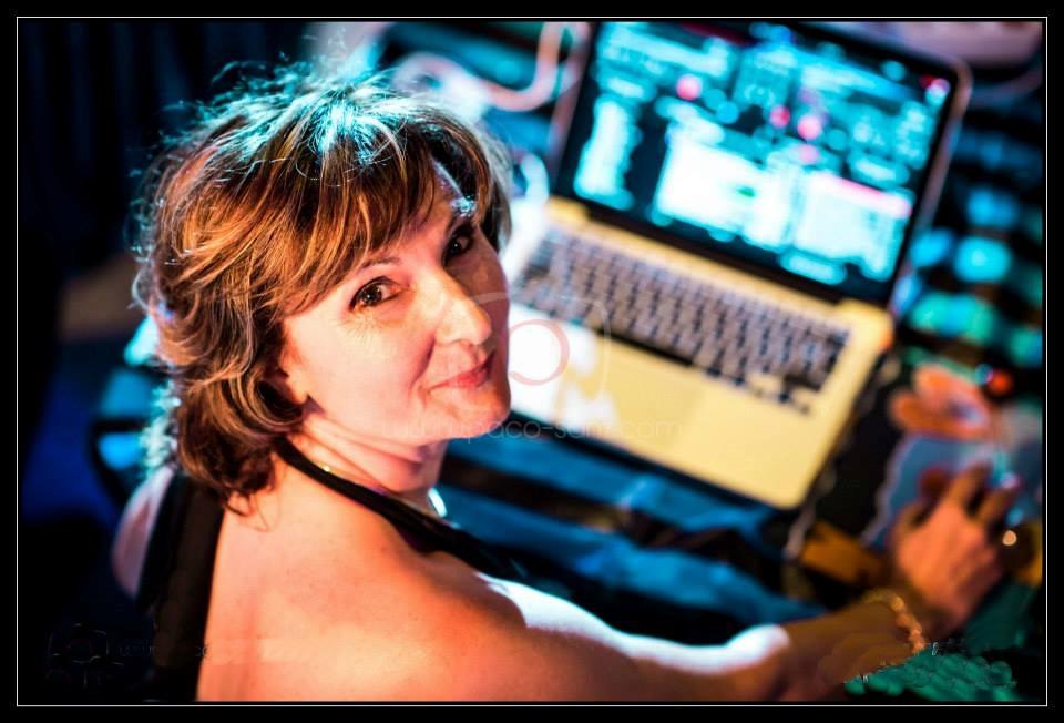 Tango DJ - Sarina Cassaro