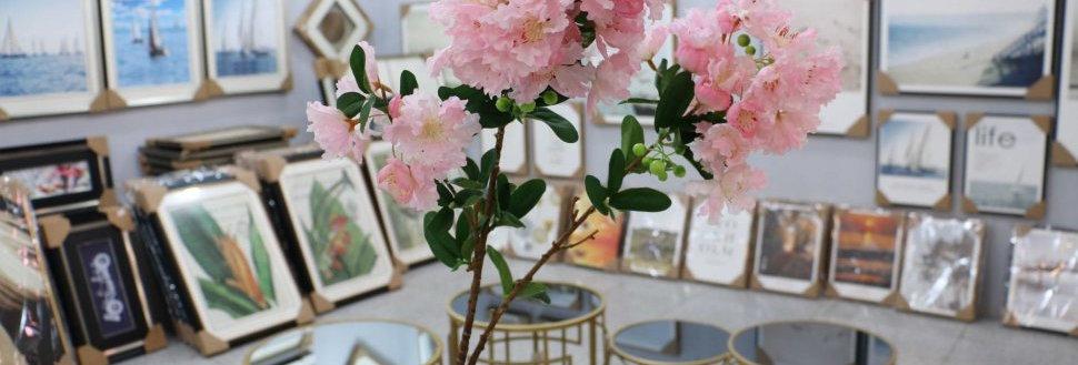 Ветка азалии розовая