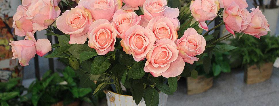 Роза одиночная розовая