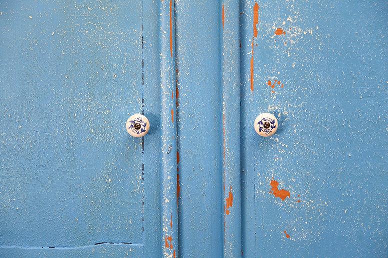 Saltwash_upclose_blue_cabinet.jpg