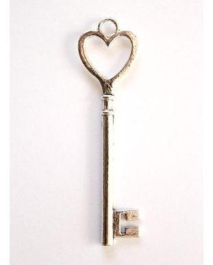 5-llaves-vintage-corazon-plata.jpg
