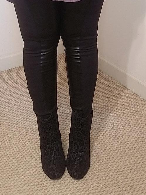 George Kotsiopoulos black legging with vegan leather paneling sz 20