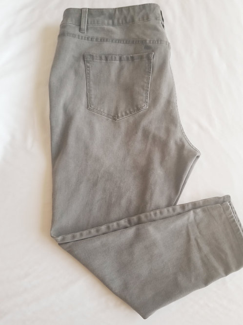 High Rise Ultimate Stretch Skinny Jeans sz 20