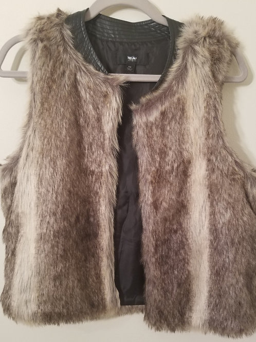 Mossimo faux fur vest with leather trim collar. size small