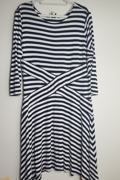 Stripes dress with criss cross design through middle  sz XL