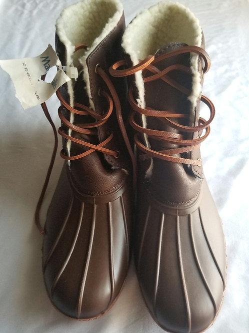 Seven 7 duck toe fleece boots. NWT sz 11
