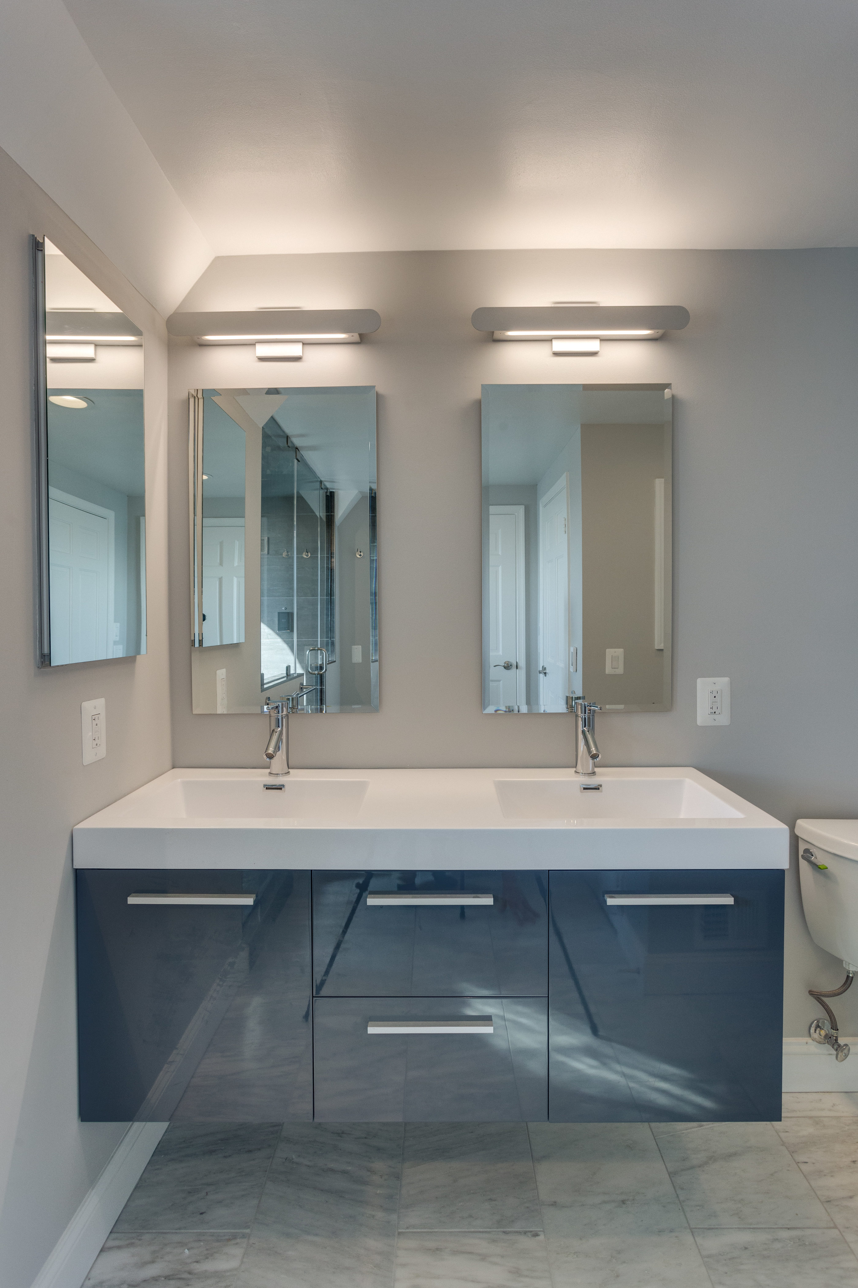 132 N Union St Alexandria VA-print-061-13-Bathroom-2800x4200-300dpi
