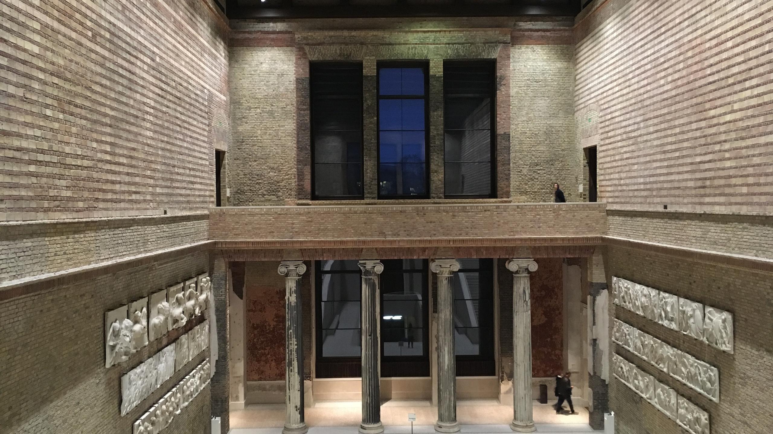 inside Neues Museum